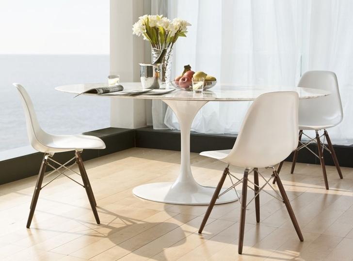 Tavolo ovale saarinen tavolo tulip di esedra by - Tavolo ovale marmo bianco ...