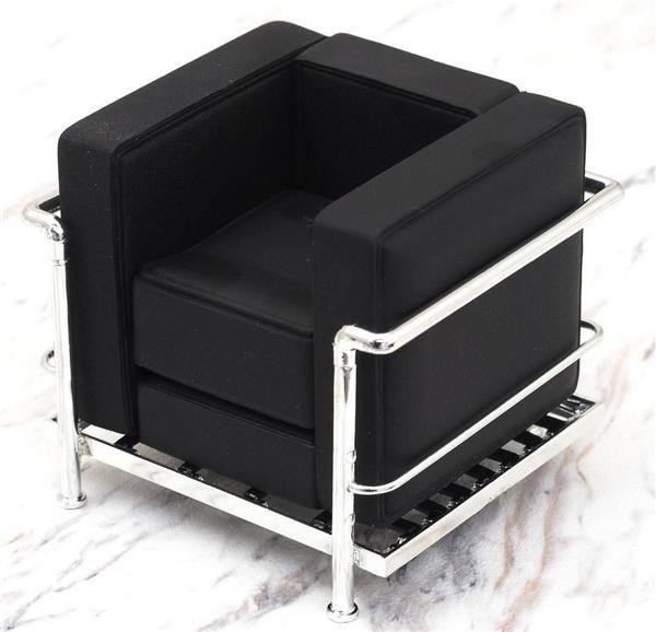 miniatura poltrona lc2 le corbusier nera. Black Bedroom Furniture Sets. Home Design Ideas